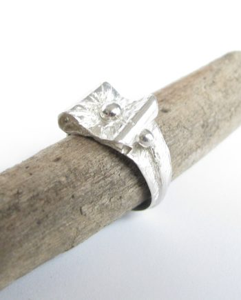 Sterling Silver Textured Rectangular Bow Ring, Size 6