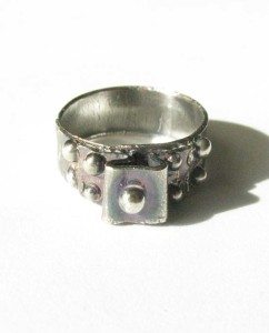 Antiqued Sterling Silver Bumpy Tower Ring